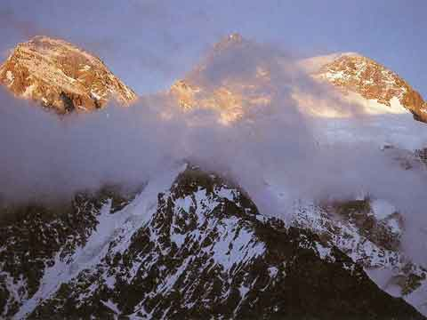 Broad Peak North, Central And Main Summits At Sunset - 3x8000 Mein grosses Himalaja-Jahr: Kangchendzoonga, Gasherbrum II, Broad Peak, Cho Oyu book
