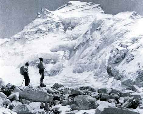 Countess Gravina and Eileen Healey and Cho Oyu - A Fatal Obsession: The Women of Cho Oyu book
