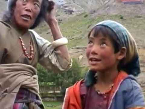 Old Woman And Young Girl In Geiling Upper Mustang - Lo Monthang Youtube Video by Ed van der Kooy and Piet Warffemius
