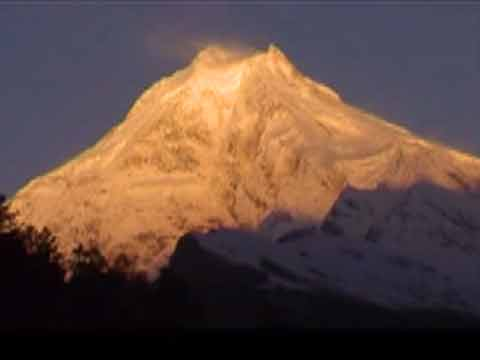 Manaslu Sunrise - Manaslu Youtube Video by Ed van der Kooy and Piet Warffemius