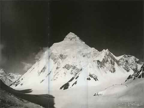 K2 From Windy Gap 1909 - Summit: Vittorio Sella book