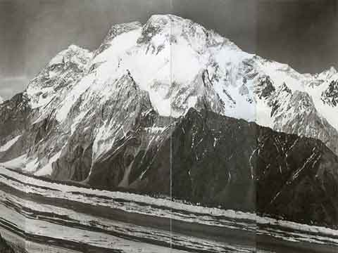 Summit Vittorio Sella - Panorama Of K2, Broad Peak, Gasherbrum, Chogolisa, Mitre Peak 1909 - Summit: Vittorio Sella book