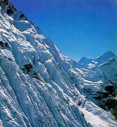 Lhotse South Face in 1975 with Makalu beyond - The Challenge (Reinhold Messner) book